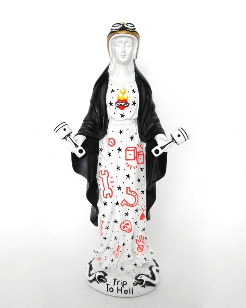Image of Virgen de los Pistones black shawl