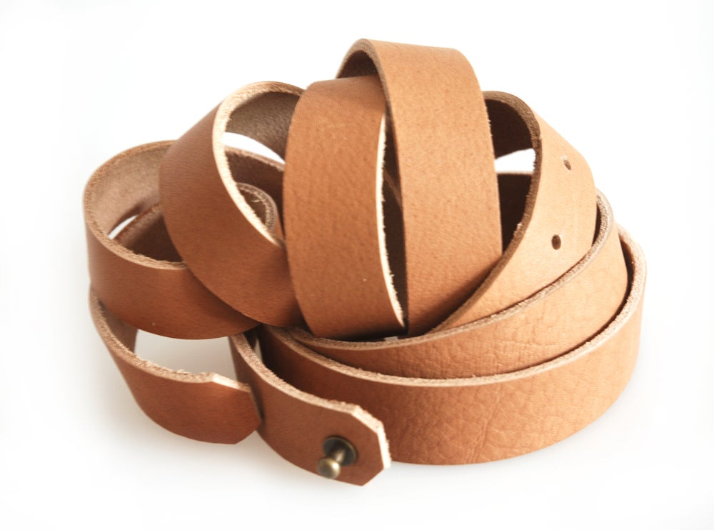 Image of Minimalistic Leather Wrap