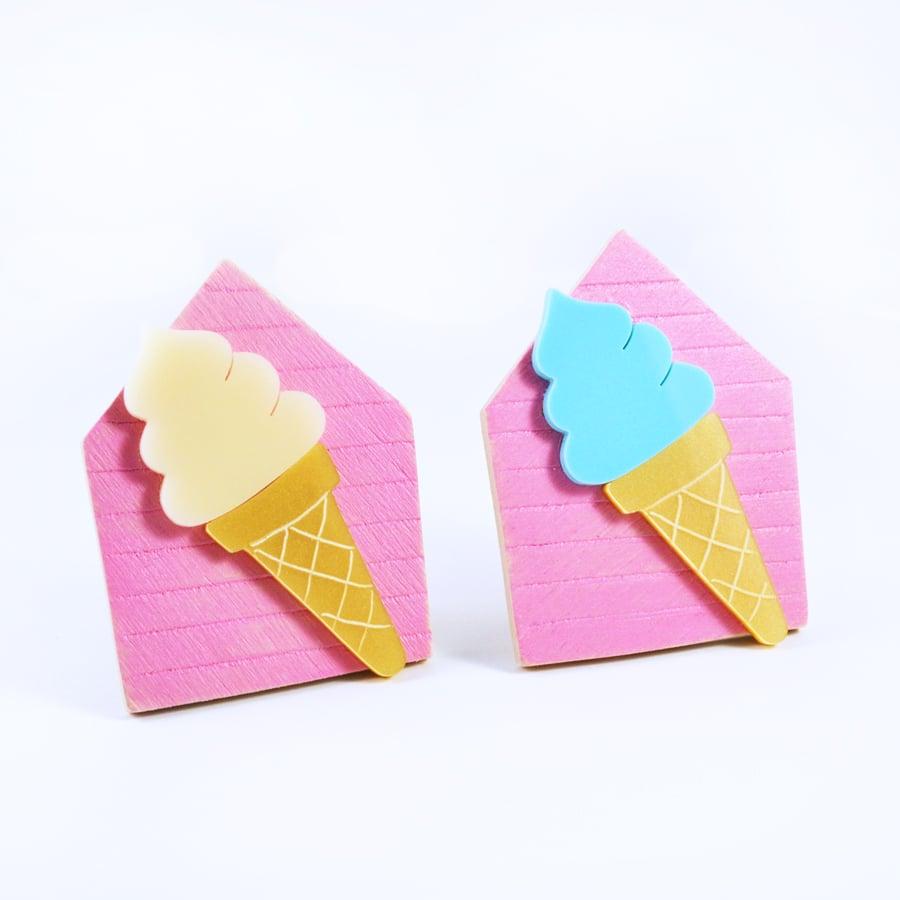 Image of Ice Cream Brooch