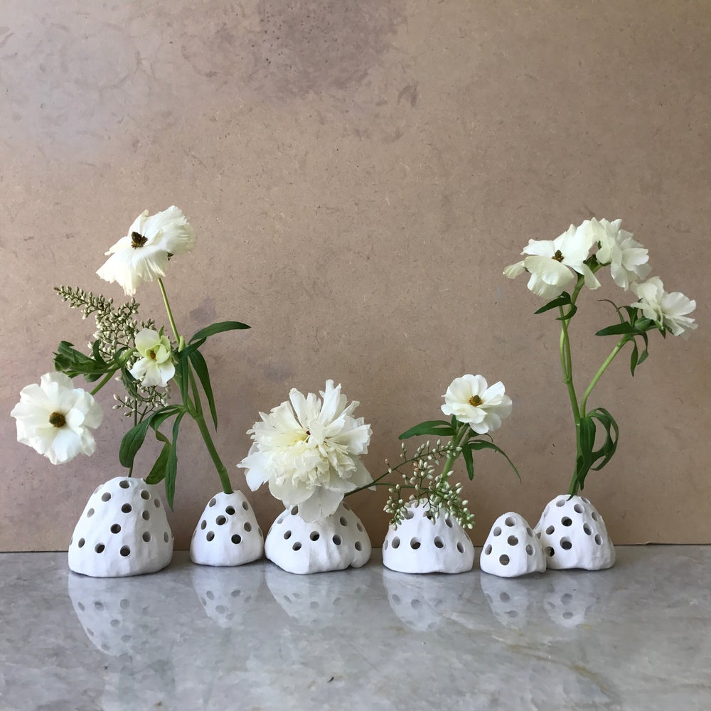 Image of WHITE CLAY FLORAL FROG