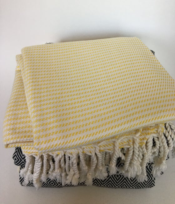 Image of Turkish Cotton/Bamboo Throw | Yellow/White