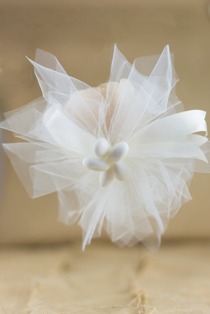 Image of Tulle with burlap flower - bomboniere/wedding favours