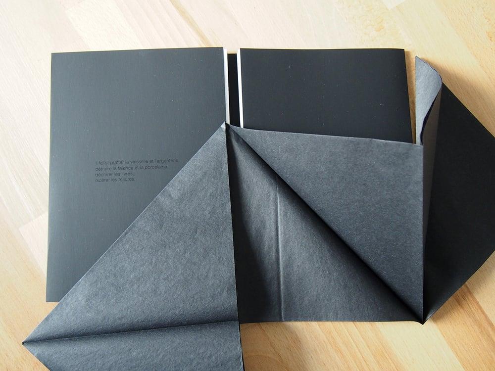 Image of PAN noir • Doriane Souilhol