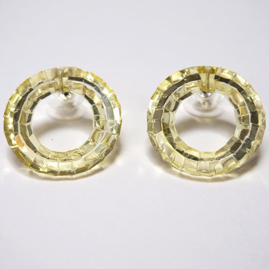 Image of waterhole stud earrings - champagne