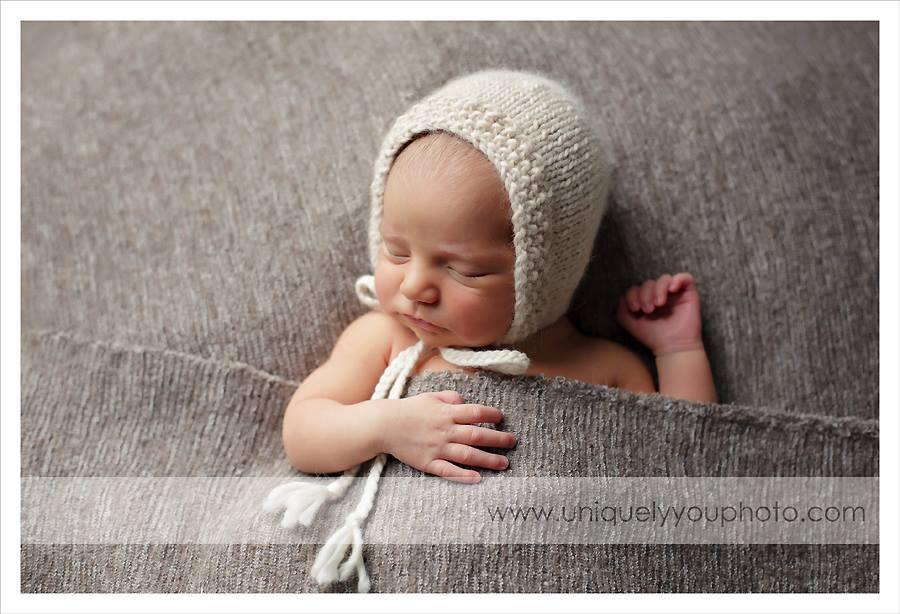 Image of Knit Eco Organic Bonnet - Alpaca - Classic Seed Brim, Photo Prop