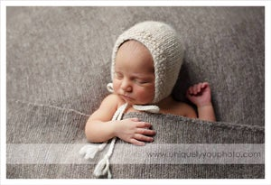 Image of Knit Eco Organic Bonnet - Alpaca - Classic Seed Brim, Photo Prop