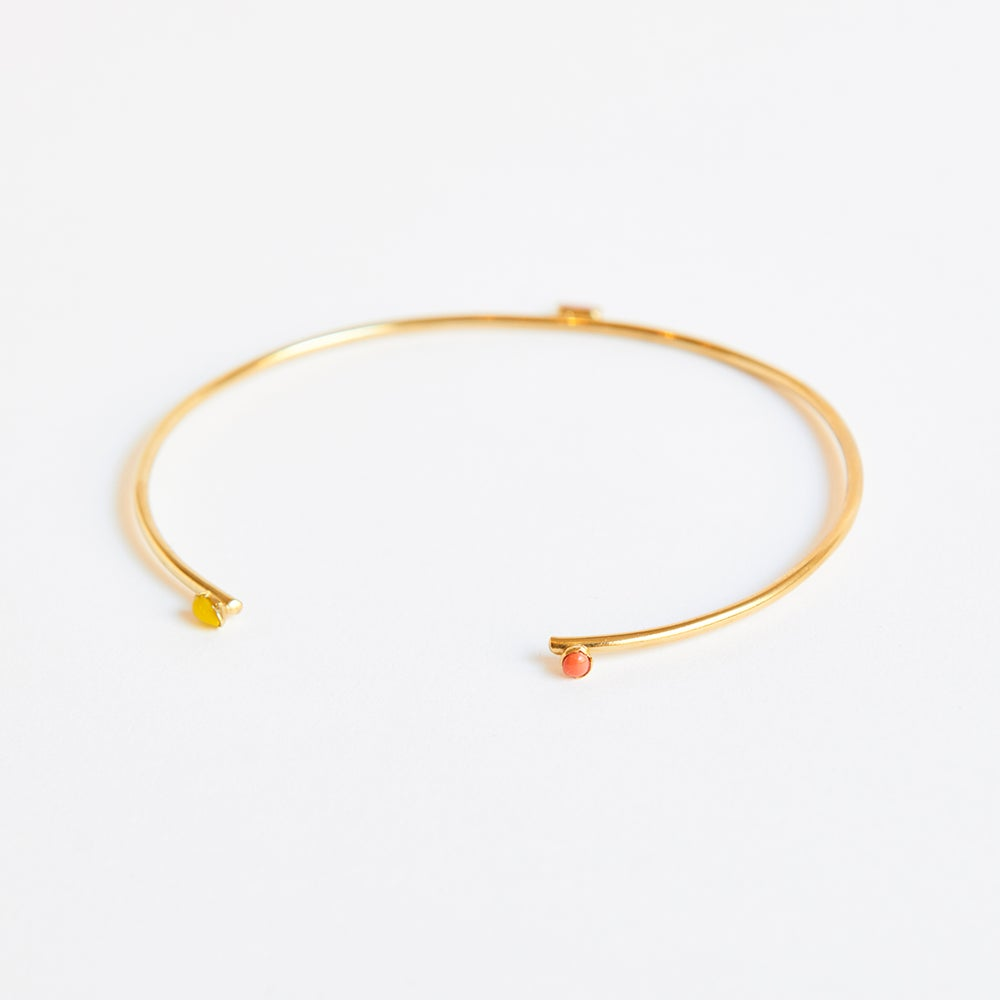 Detalle de Six Two sided rigid choker with sparks