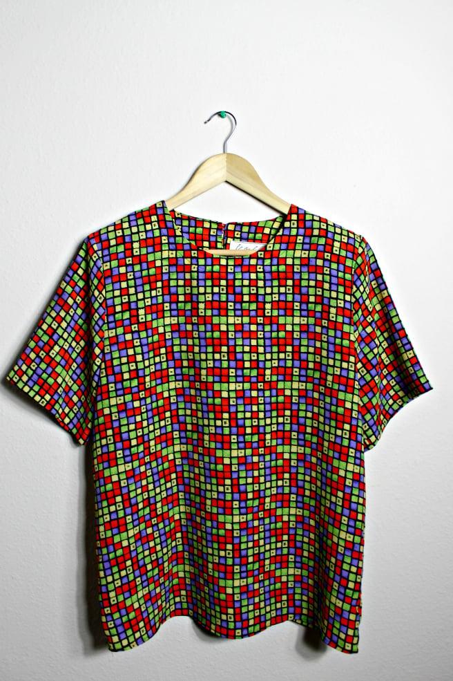 Image of Kathy Che color block crop blouse