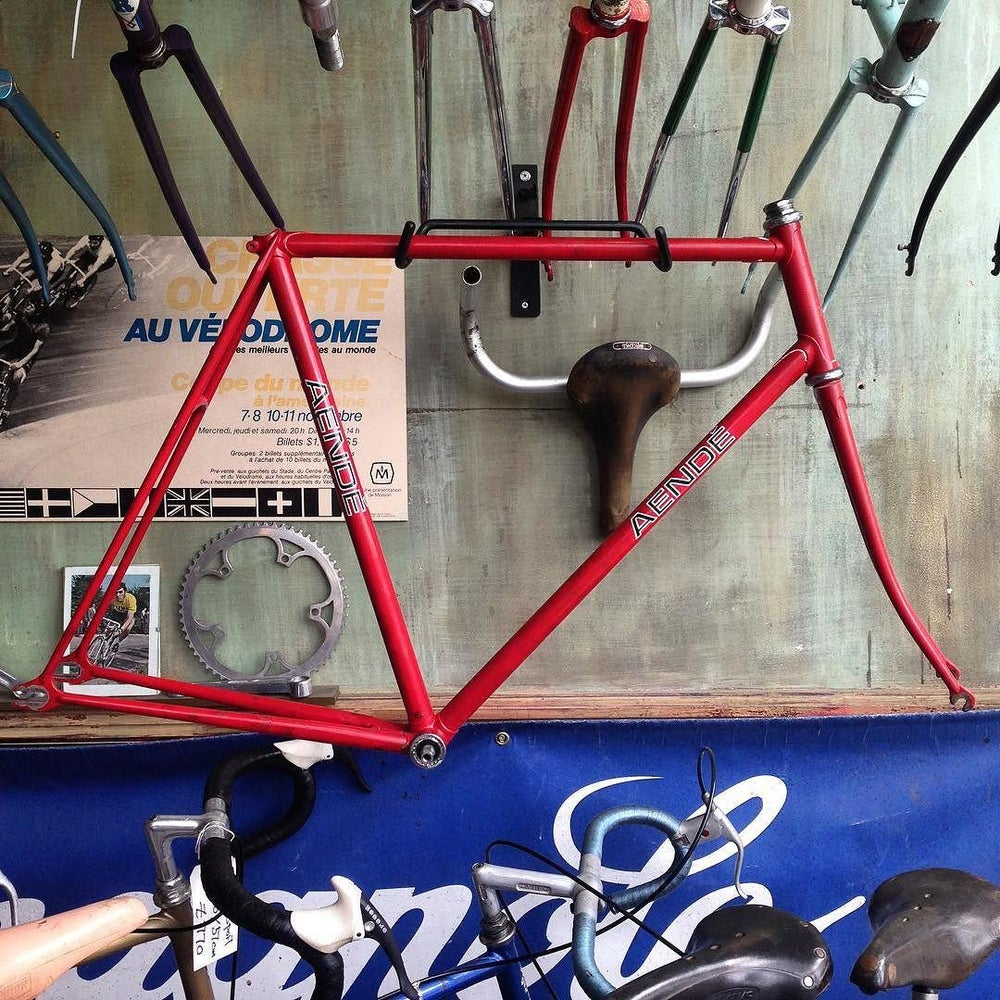 Image of 'Aende' track frame, built by the legend  'Pongo Braithwaite'