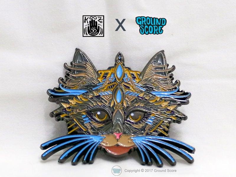 KOOZ - King of Cats 3D Pin