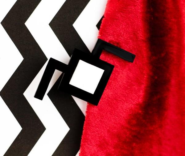 Twin Peaks Owl Cave Brooch Pin - Black Heart Creatives
