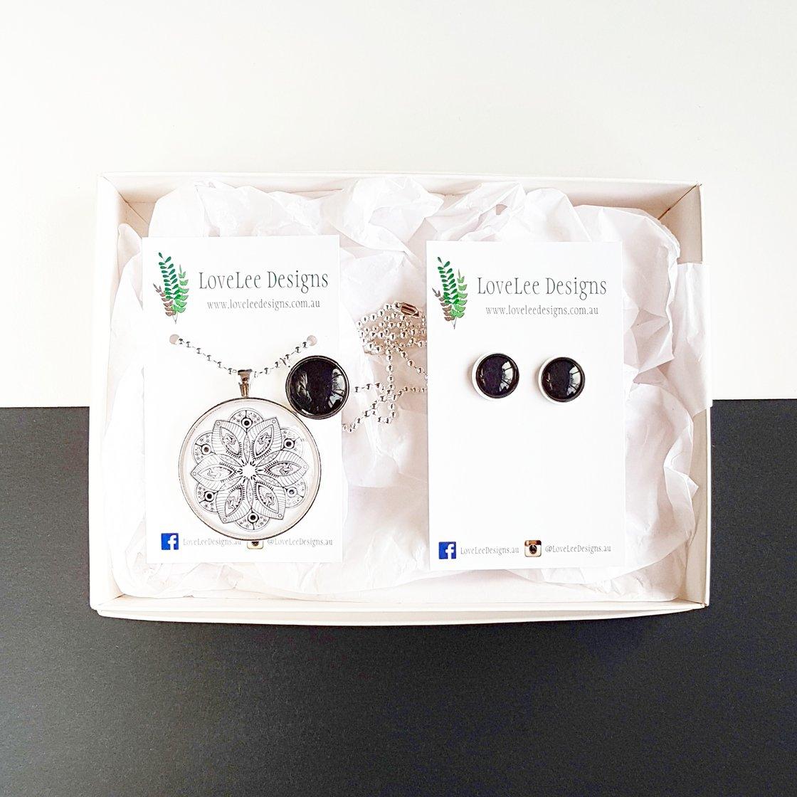 Image of Gift Set - Black and white mandala