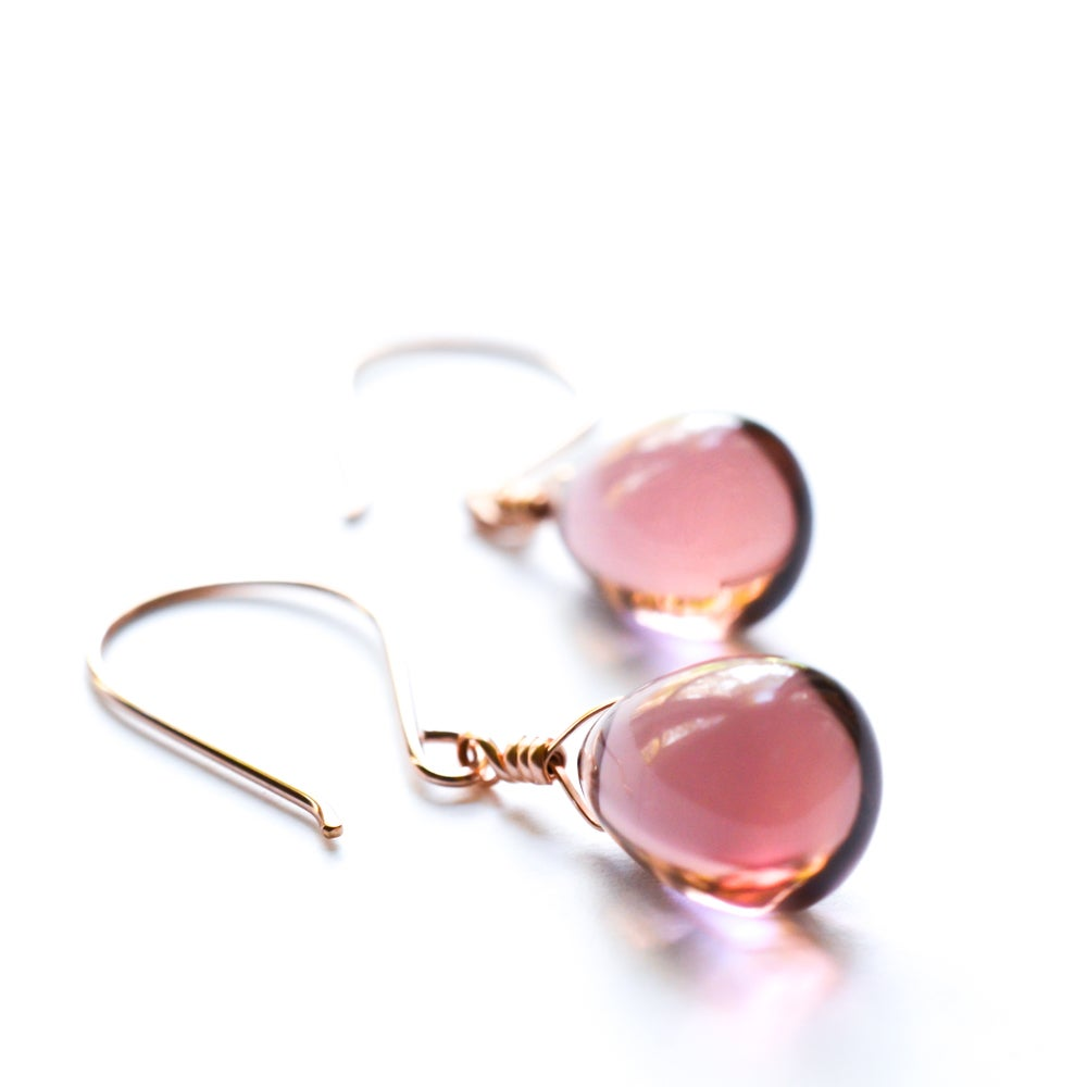 Image of Mauve glass drop earrings