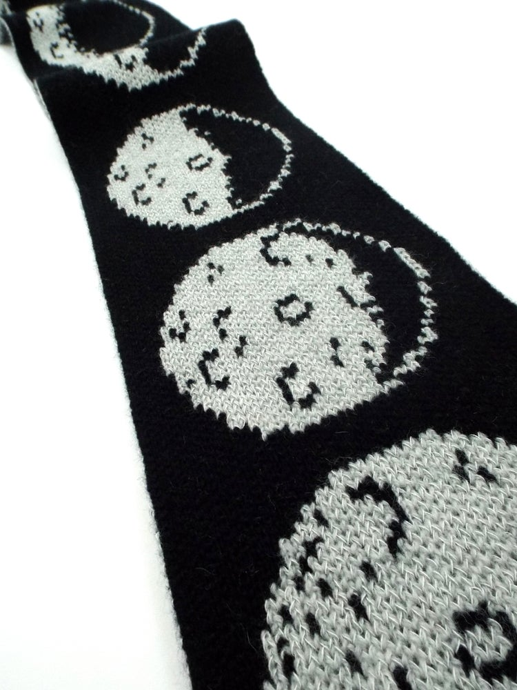 Image of *Glow in the dark* Moon scarf