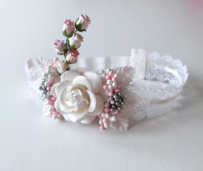Image of FLOWER BOUQUET LACE HEADBAND