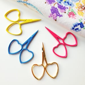 Image of Yellow Little Loves embroidery scissors