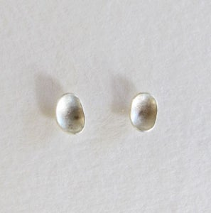 Image of 'seed' studs