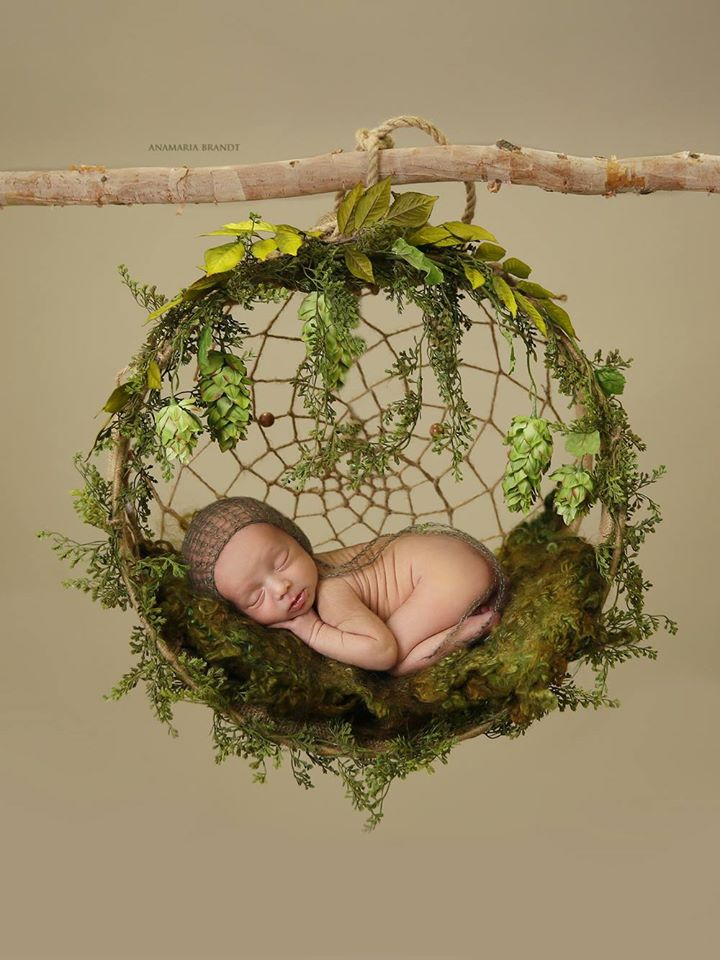 Image of Nest of Curls Blanket - MOSSY GREEN