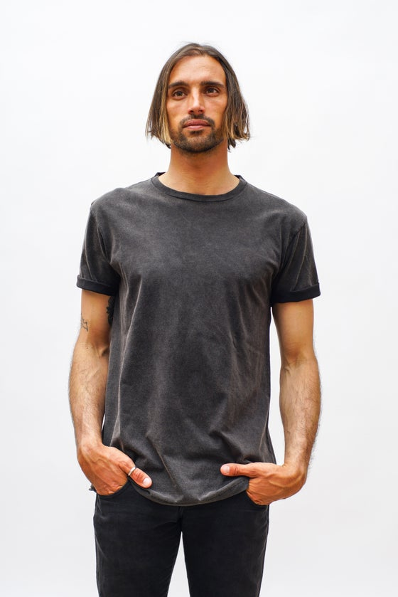 "Image of ""BLACK WASHED"" T-shirt"