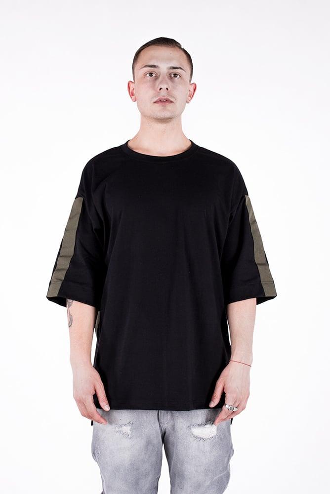 Image of U-F Stripe Oversized Tshirt Olive