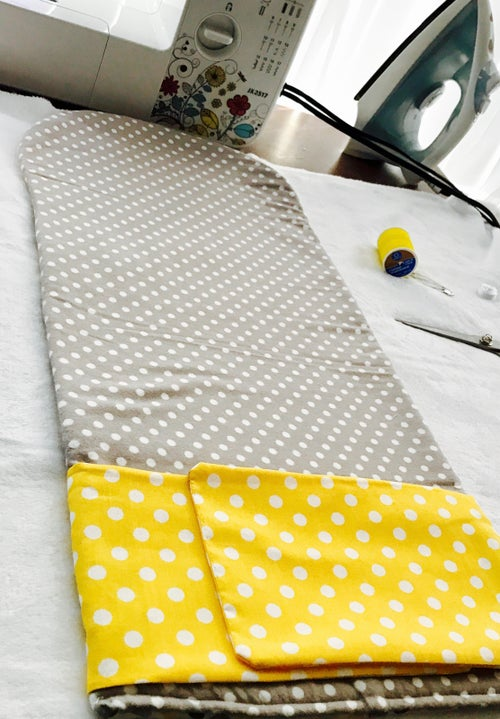 Image of Portable Changing Pad Clutch