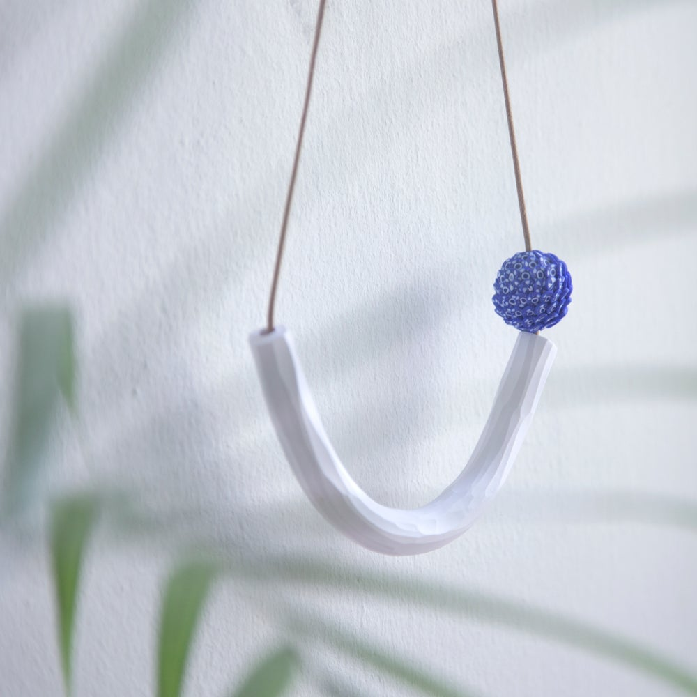 Image of China Blue Gentle Curved Handmade Necklace