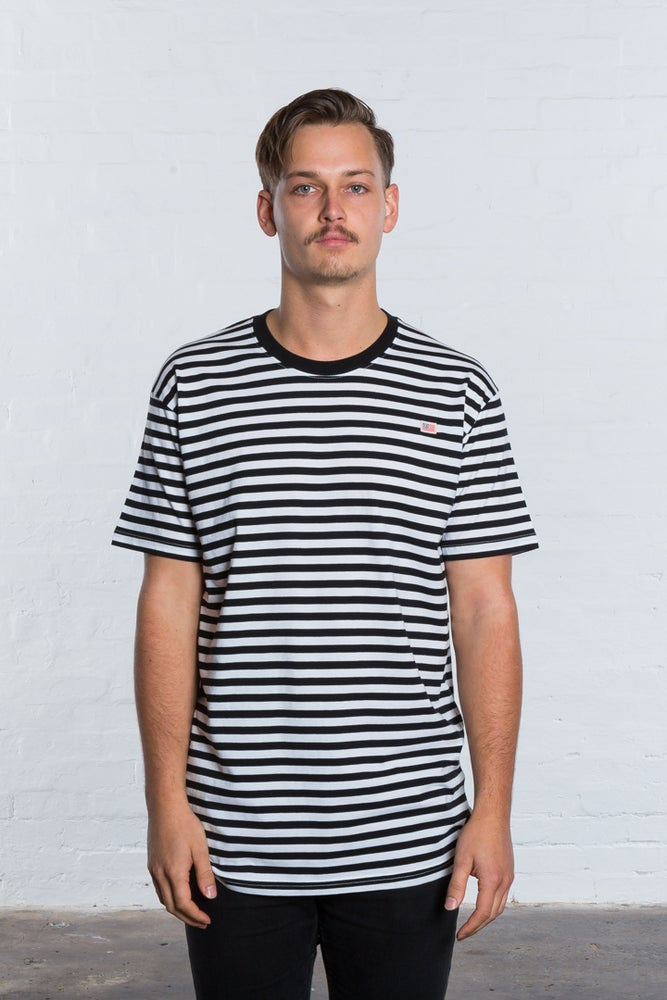 Image of STRIPED CLASSIC FIT