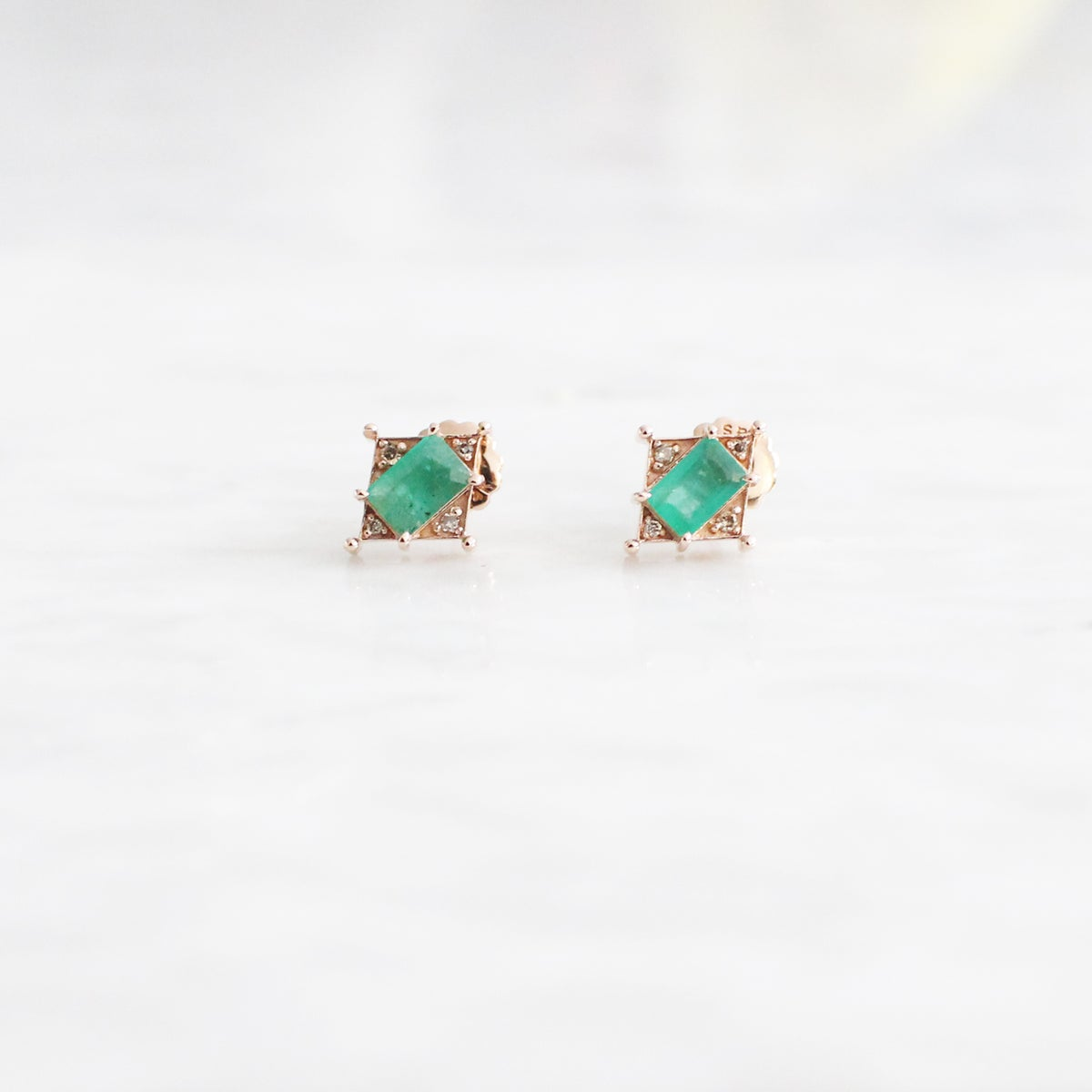 Image of Art Deco Emerald Earring