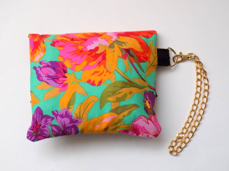 Image of Coqueta Fold-Over Wristlet Clucth