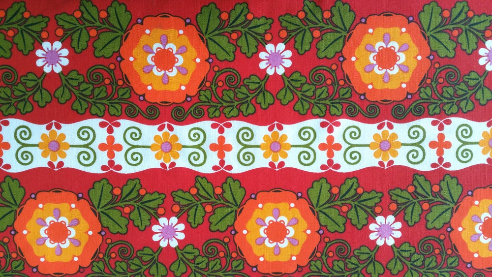 Image of Red Dekoplus Folky Floral - fat quarter