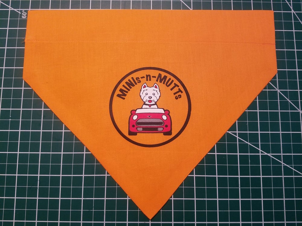 "Image of ""MINIS & MUTTS"" BANDANNA"