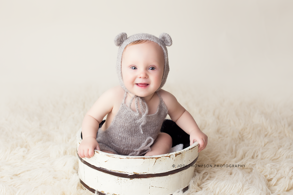 Image of Sitter romper and bear bonnet set Photography prop