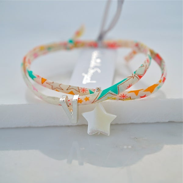 Image of Mother of pearl star bracelet