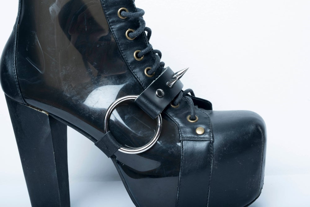 Image of Oh! Spikey Shoe Garter
