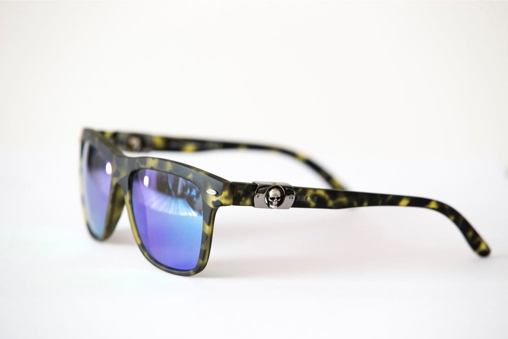 Image of MCJ SUNGLASSES YELLOW TORTUGA BLUE LENS