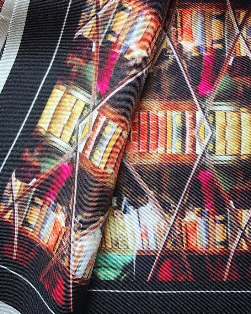 Image of LONDON LIBRARY CABINET - 100% SILK TWILL POCKET SQUARE WITH HAND ROLLED EDGES