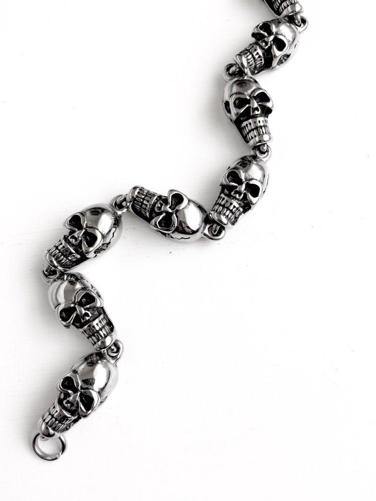 Image of BASIC SKULL BRACELET
