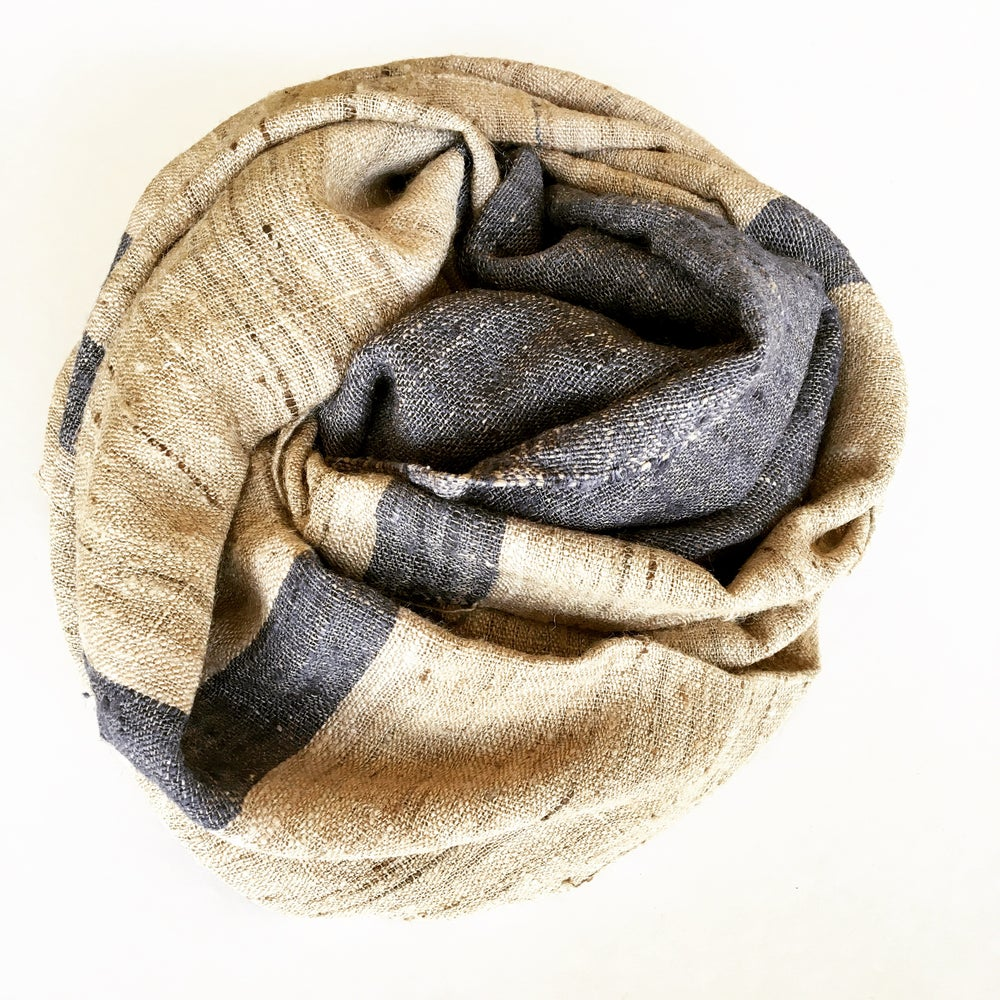Image of WILD SILK STRIPE SHAWL - NATURAL/STORMY BLUE