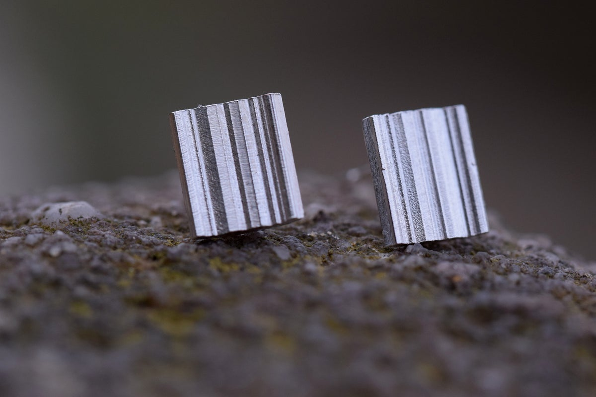 'Strata' Stud earring in Sterling Silver