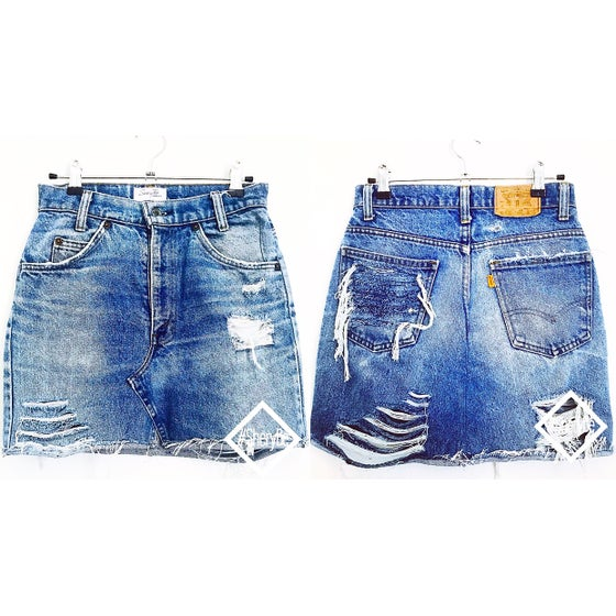 Image of HIGH WAIST RIPPED VINTAGE LEVI'S MINI SKIRT