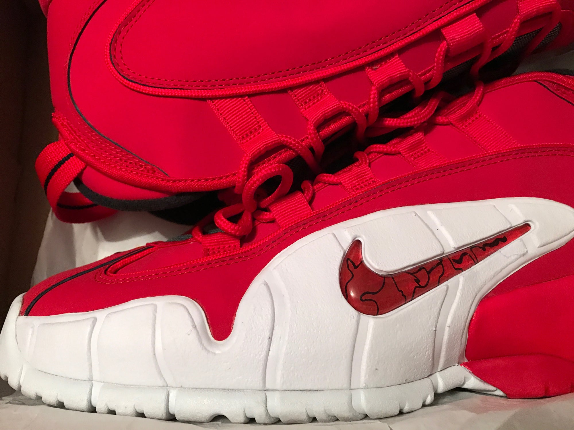 Image of Used - Nike Air Max PENNY ONE 1 FIRE UNIVERSITY RED WHITE BLACK