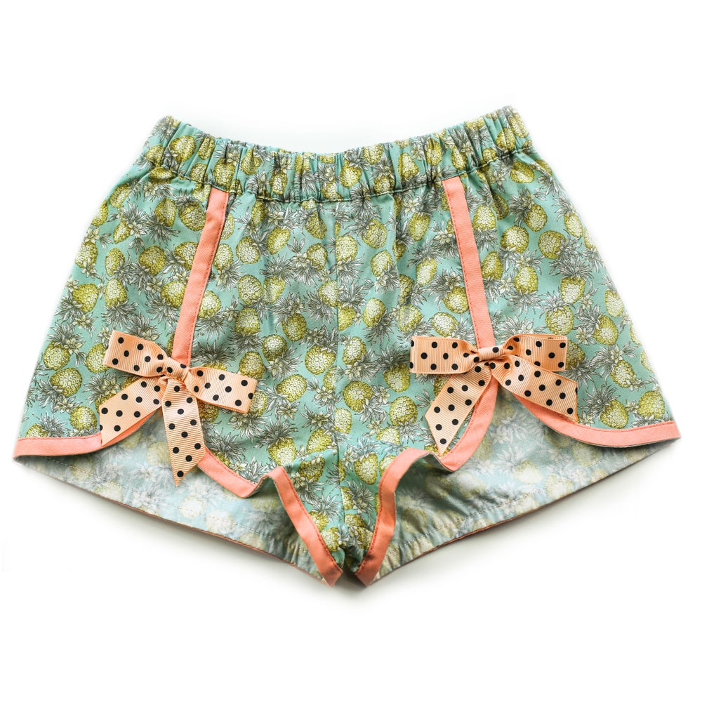 Image of Polly Vintage Bow Shorts - Pina