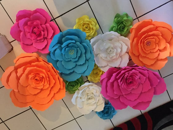 Image of 12 Piece Paper Flowers