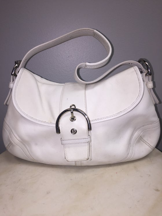 Image of VTG WHITE LEATHER COACH PURSE