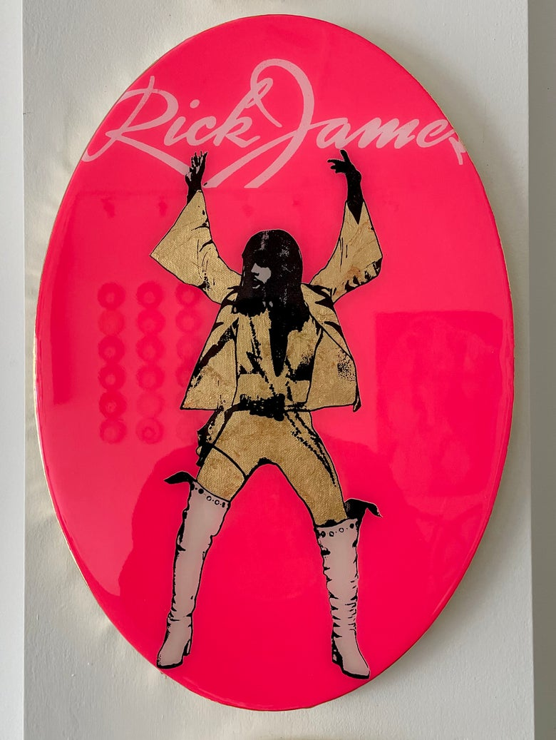 Image of Rick James Oval Fluoro Coral Pink/Gold leaf.