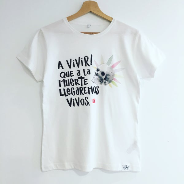 Image of CAMISETA MUJER MODELO A VIVIR!