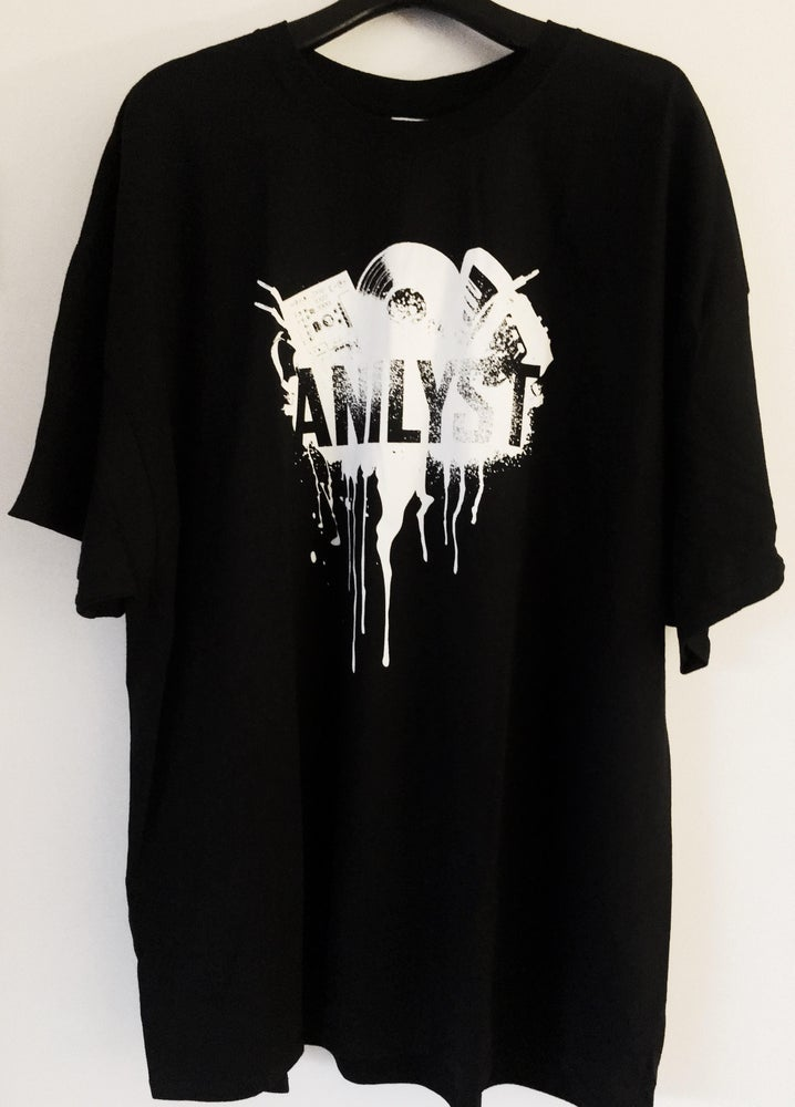 Image of Mens Spray Paint Design T-Shirt (NEW)