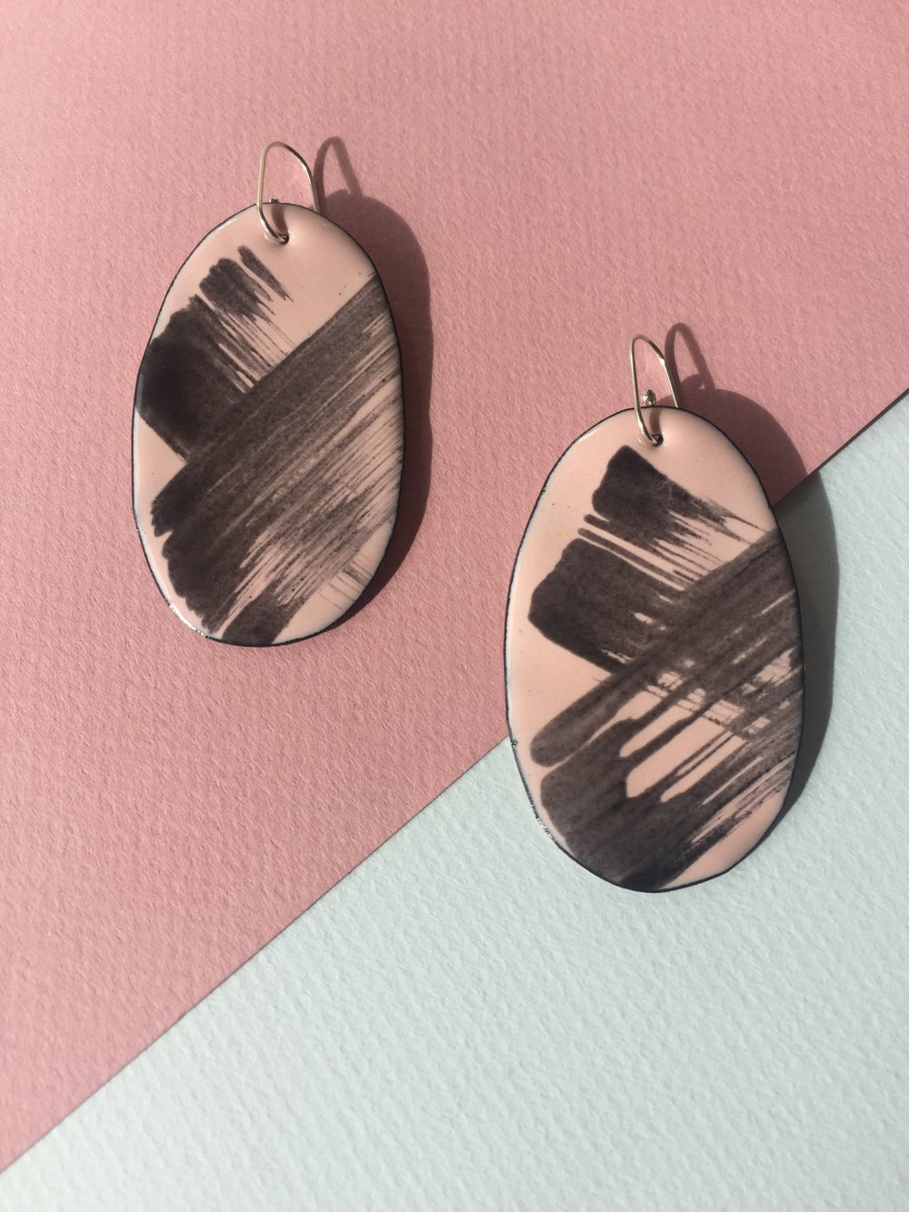 Image of Brush stroke earrings in blush pink - Large