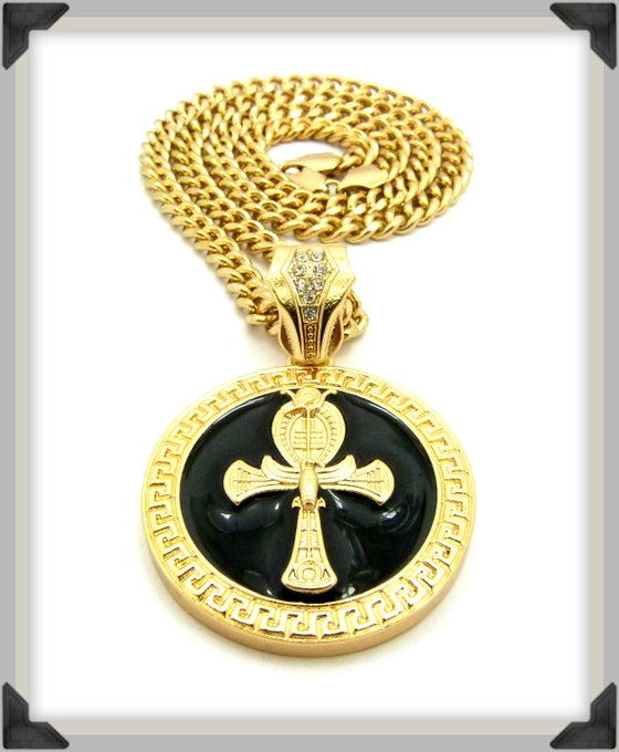 Image of AHNK-BLACK-GOLD-MEDDALION