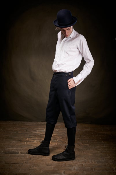 Image of East End 3/4 Trouser - Navy £200.00